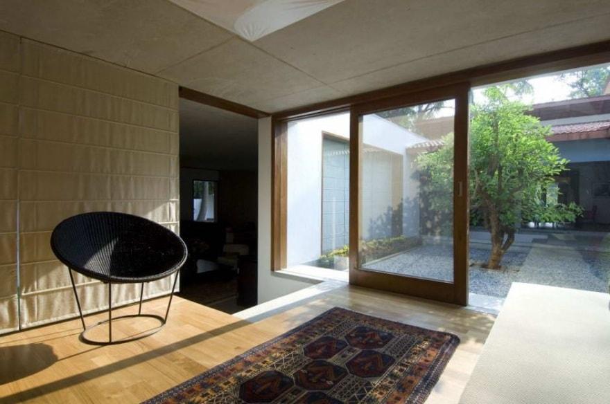 Японский дом с внутренним двориком