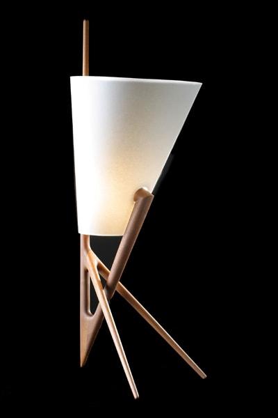 Лампа в стиле минимализм